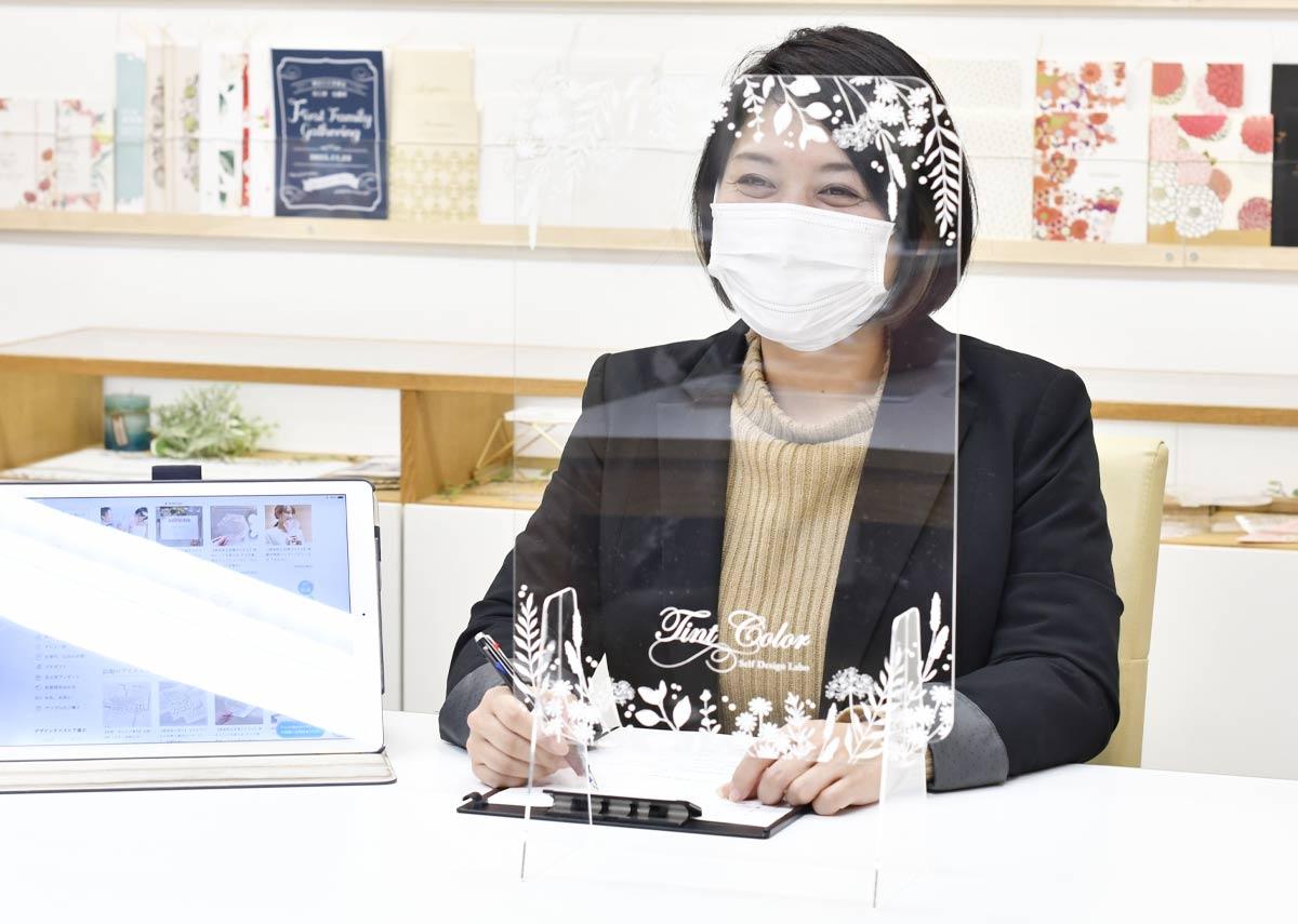店舗や飲食店のコロナ対策に飛沫防止おしゃれなアクリルパーテーション