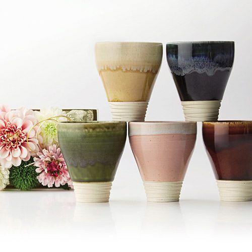 美濃焼きの陶器のカップ