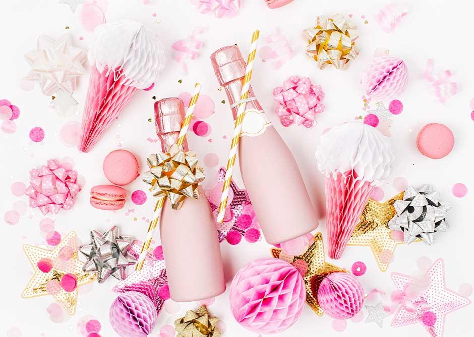 ピンク色をテーマにした結婚式のコーディネート