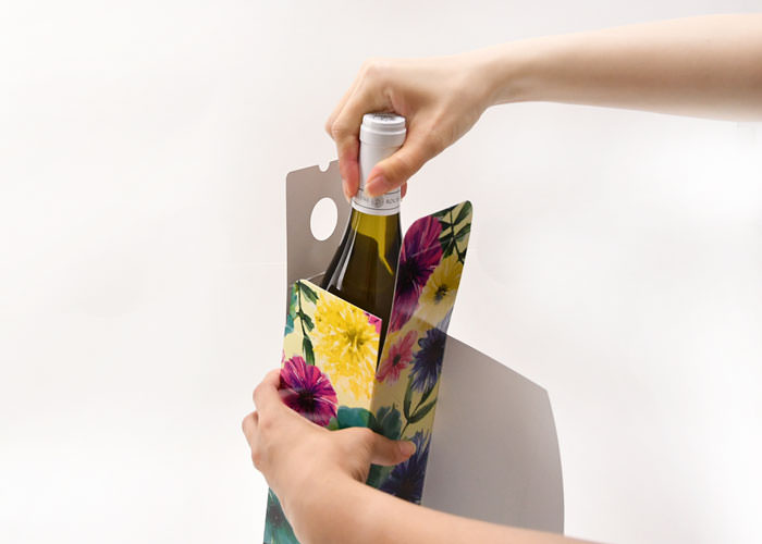 ワイン用ギフトボックス組み立て工程