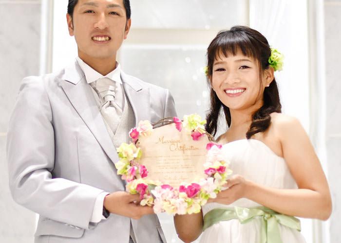 結婚証明書 木製レーザー刻印「リース」イメージ