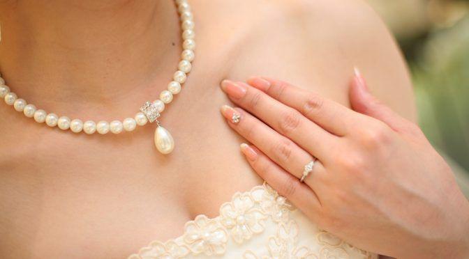晴れ舞台を品よくキレイに!花嫁姿をより美しく見せる方法とは?
