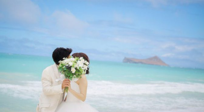 〈卒花さんの結婚式レポ〉こんなフォトも♡幸運な二人の幸せ溢れるハワイ挙式