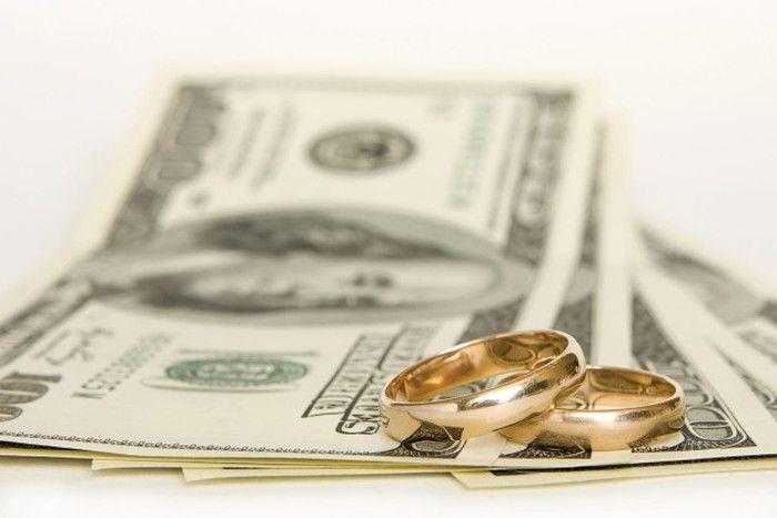 気になる結婚式の費用負担、皆はどうしてる?卒花嫁さんの実例紹介♪