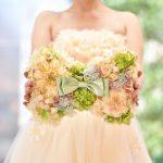 【2018年も流行ること間違いなし!】ブーケみたいで可愛すぎ♡ドレスに映えるお花いっぱいのお手紙ボード