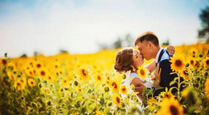 夏婚演出におすすめ♡輝く太陽のようなひまわりアイテム