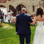 結婚式で父親に贈りたいプレゼントは日常使い&特別感のあるもの