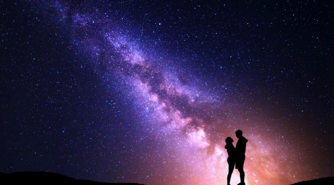 月も星も超えた超スケール!ギャラクシーウェディングのアイデア