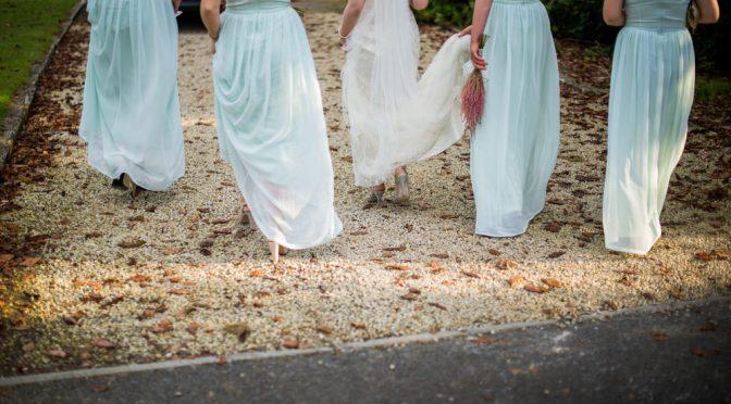 極めればシンプル!ミニマルな結婚式のためのおしゃれアイデア