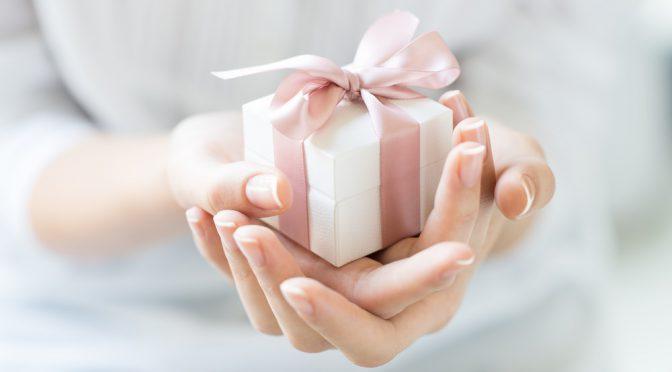 デキる花嫁さんなら取り入れたい♡贈り物にプラス添えられる工夫