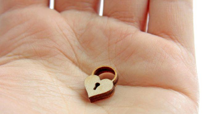 一生モノの記念品になる!花嫁の手紙には彫刻タイプが絶対おすすめ