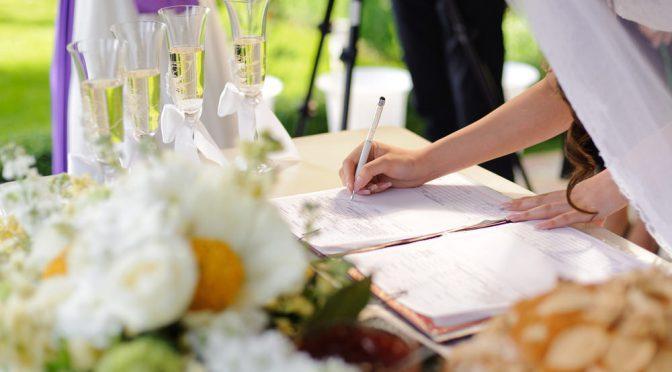 新生活のことをじっくり考えるキッカケに。刻む結婚証明書の魅力