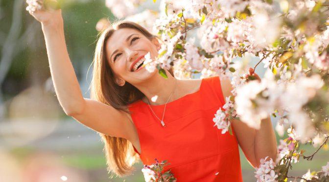 花嫁目線で選びました!春挙式にぴったりの招待状デザイン10選