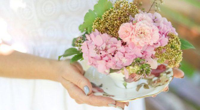 花束だけじゃない一生記念に残る人気の両親プレゼントって?