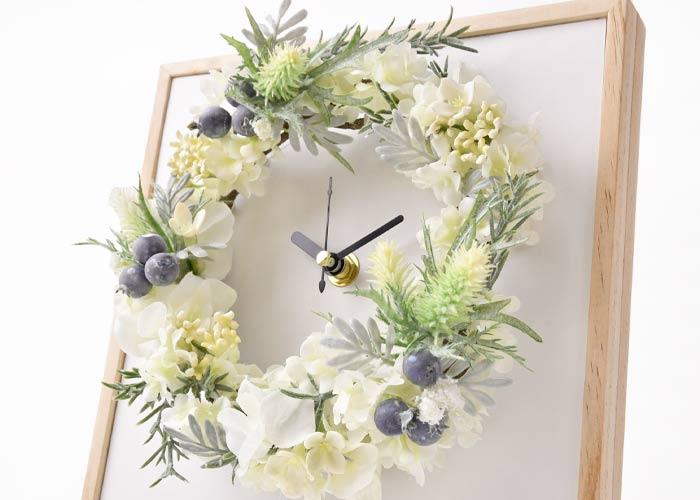 結婚式の記念品に時計をプレゼント