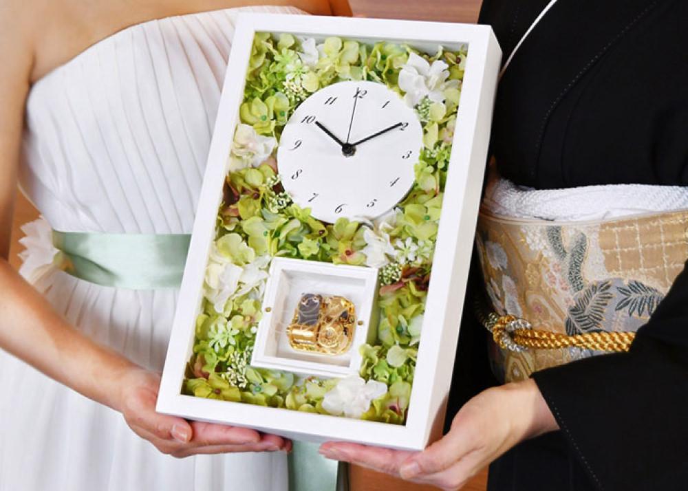 お花を敷き詰めた花時計