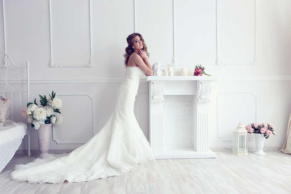 ホワイトマーメイドラインウェディングドレス