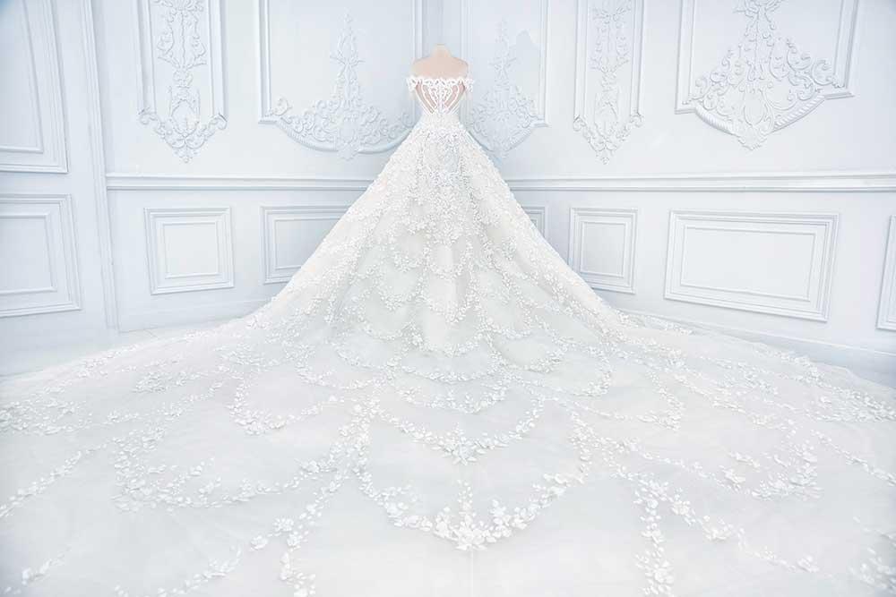 ホワイトウェディングドレス