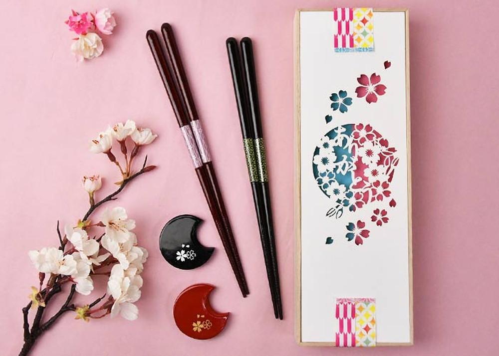 【即日出荷】ご両親ギフト メッセージカード付 夫婦箸&箸置きセット「桜」