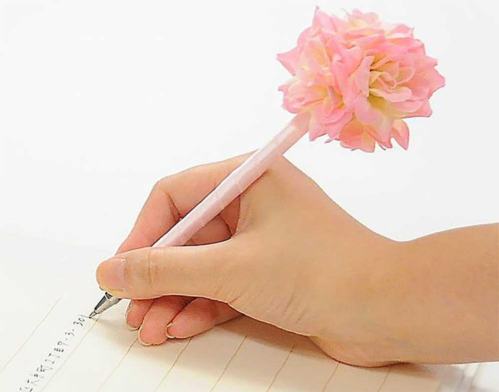 ベビーピンクフラワーペン
