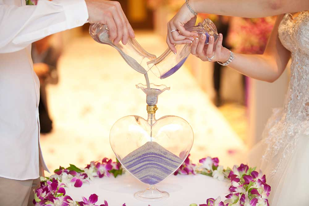 Blending of the sands at wedding ceremonyサンドセレモニー