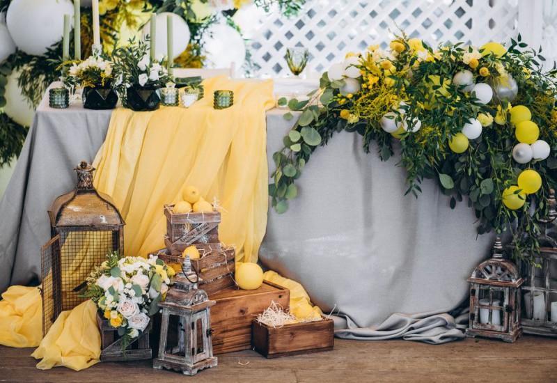 グレーとイエローがテーマカラーの結婚式